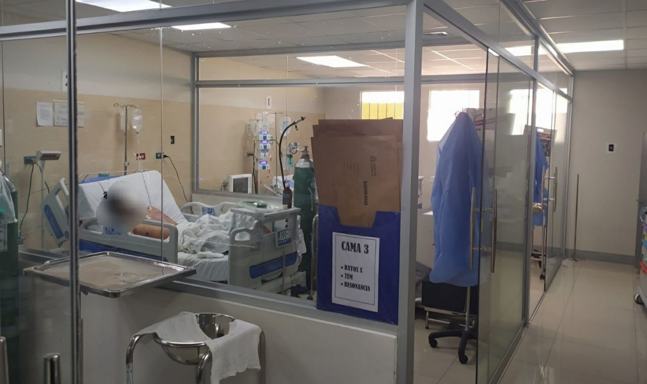 Heladero que perdió parcialmente el rostro tras ser atropellado en Mariano Melgar fue trasladado al hospital Honorio Delgado. Se viene recuperando