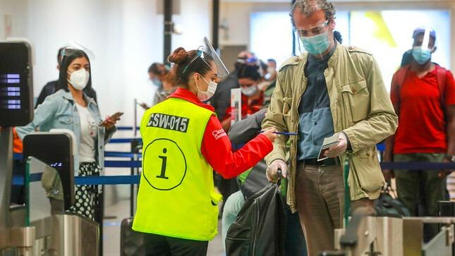 El MTC amplió suspensión de vuelos internacionales procedentes de Sudáfrica hasta fines de octubre